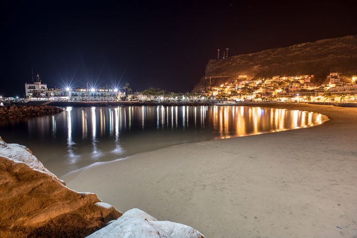 Playa del Mogán at night by Sigurd Rage on 500px