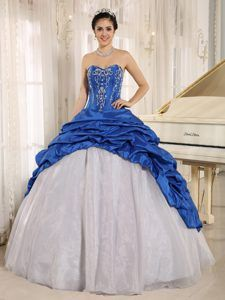 Royal Blue and White Dresses for 15 with Demipiques in Osasco Brazil - Magic Quinceanera
