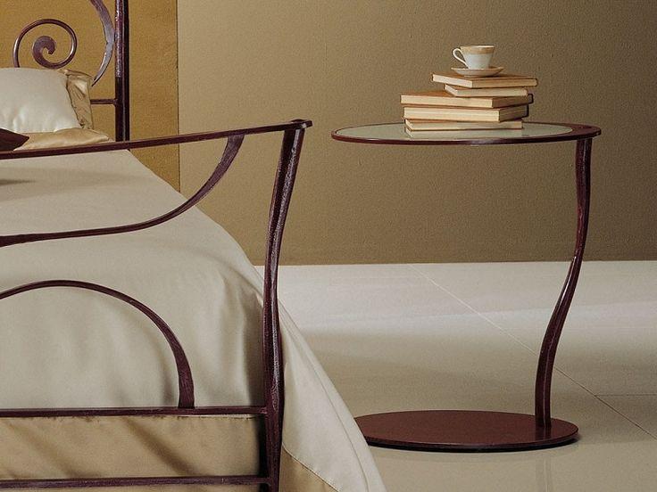 tavolo ferro battuto-camera-letto