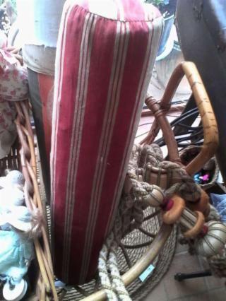 Cojín antiguo de bolillos