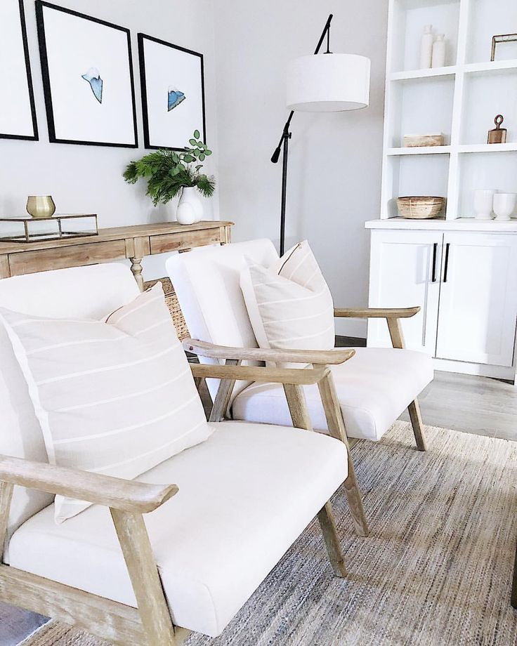 Living Room Design With Two Accent Chairs Livingroom Decorideas Coastal Living Room House Interior Home