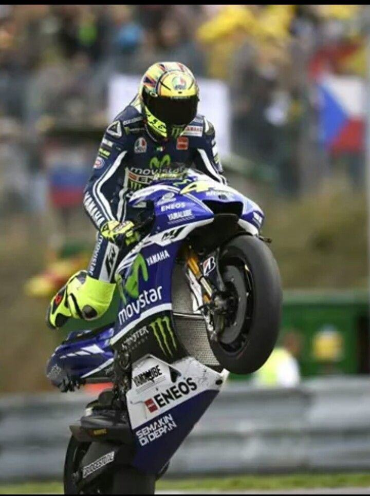 valentino rossi ndash wheelie - photo #36