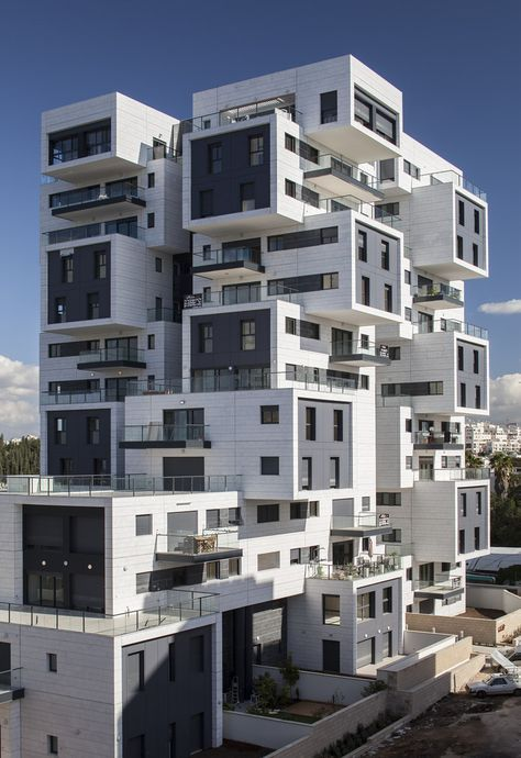Gallery of 22 Haganim st. Ramat Ha'sharon / Bar Orian Architects - 4
