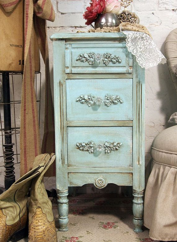 night standCottages Style, Reservation Jeaniedx6, Antiques Furniture, House Ideas, Painting Cottages, Vintage Painting, Jeaniedx6 Vintage, Night Stands, Antiques Flair