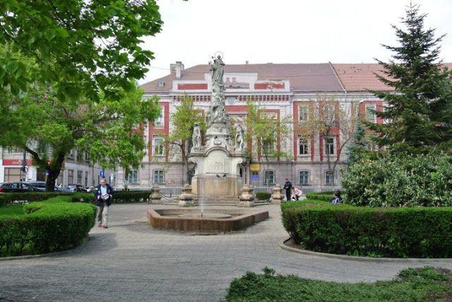 Timisoara Travel Guide: Liberty Square