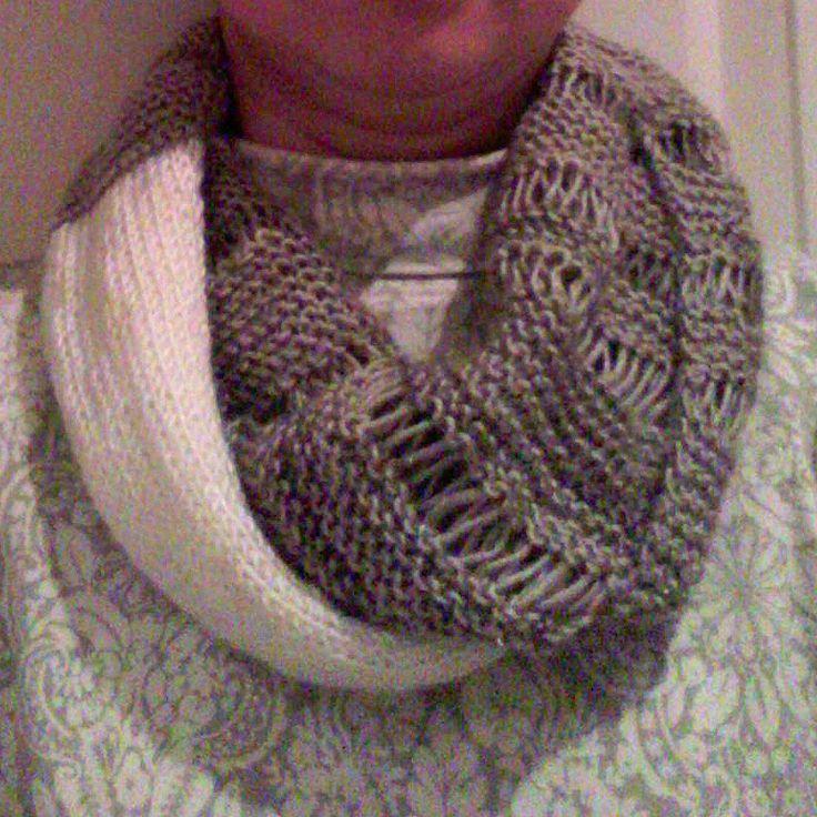 My first cowl knitted with Moda Vera Tamayo yarn. #spotlight40