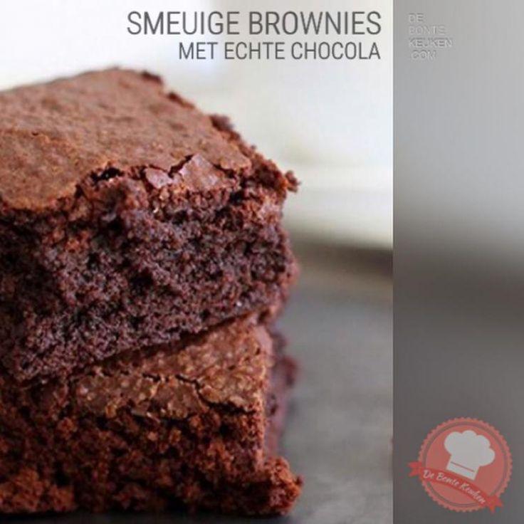 Foto: DeBonteKeuken: Brownies!! Maak je eigen brownies met echte chocolade. (boter, eieren, ei, pure chocolade, cacao, suiker, bloem, bakpoeder, vanille stokje, walnoten, witte chocolade brokjes, makkelijk, simpel, recept, high tea, taart, gebak, oven, homemade, bakken). Geplaatst door annemieke1985 op Welke.nl