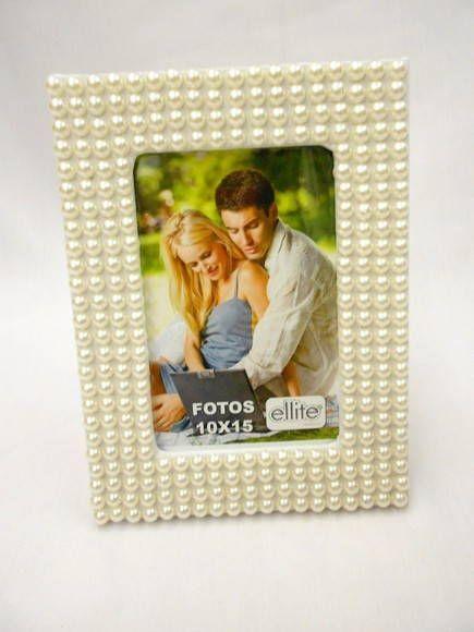 Porta retrato de pérolas para festas de casamento, noivado ou 15 anos. R$ 52,50