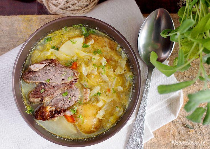 """Share the post """"Zupa warzywna z młodą kapustą / Cabbage and vegetable soup"""" FacebookTwitterGoogle+PinterestStumbleUpon Dziś kolejna propozycja (i na pewno nie ostatnia) wykorzystania młodej kapusty w kuchni. Cieszmy się nią dopóki jeszcze możemy 🙂 Dziś przedstawiam lekką, łatwą i przyjemną wiosenną zupę z młodą kapustą, pasternakiem, selerem, porami i młodymi ziemniaczkami z odrobiną śmietanki. Zupa...Read More »"""