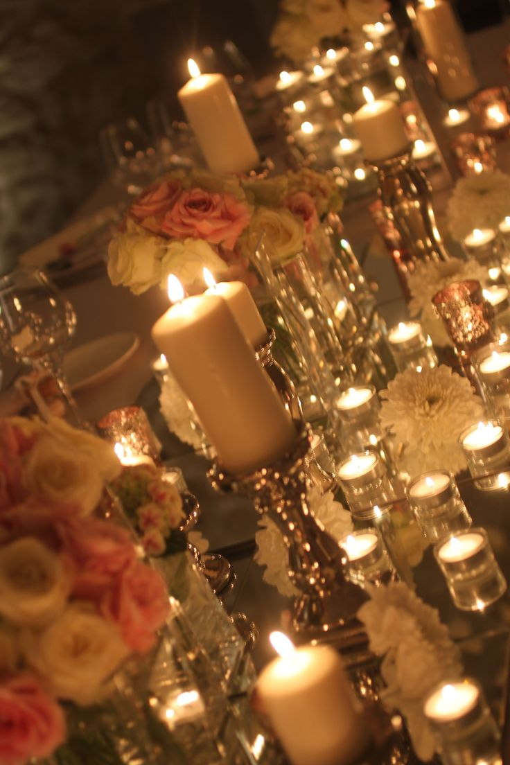 Romantic Table Decorations, roses and candles, Castello di Montignano, Claudia Bisceglie