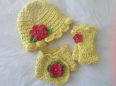 Miss Muffet beanie, buttonhole scarf and wrist warmers in lemonade brights.