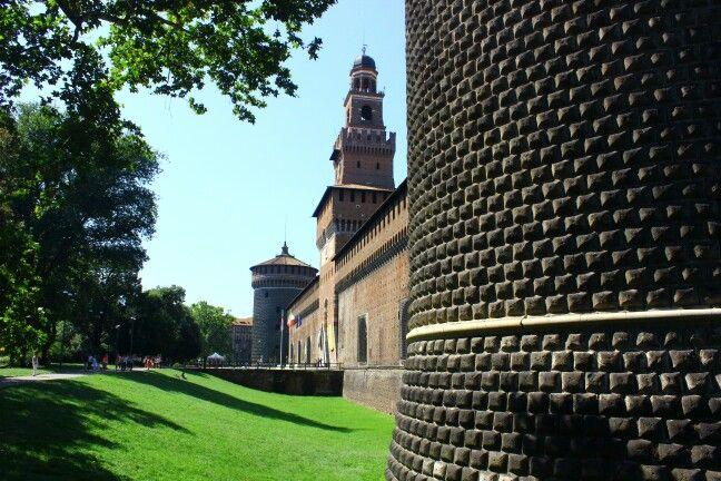 Milano, Lombardia konumunda Castello Sforzesco