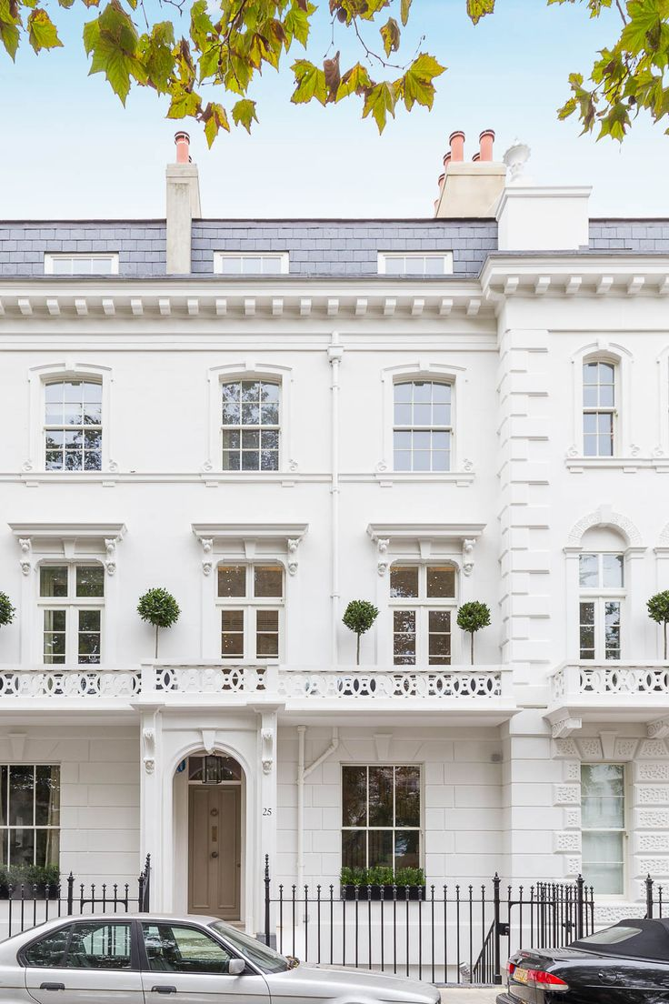 Spectacular Hereford Square White stucco Victorian London homes at their finest here Hereford Square is a stunning garden square in the heart of South Kensington