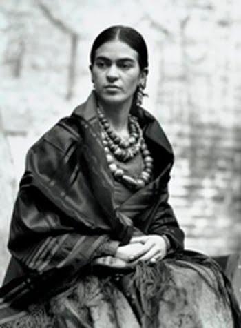 Frida & necklace
