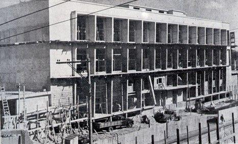 Construção da Biblioteca Pública no terreno do antigo Corpo de Bombeiros da rua Carlos Cavalcanti, 1953.