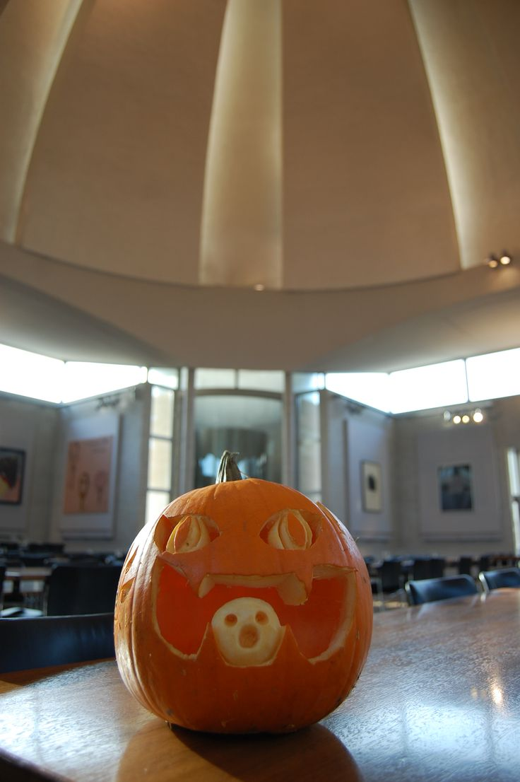 Pumpkin carving Halloween 2014 in the Dome Dining Hall