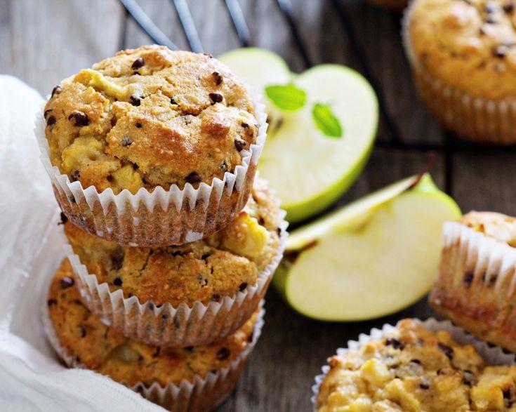 Cand am chef sa fac ceva dulce pentru micul dejun din weekend, aproape intotdeauna ma duc la aceasta reteta de briose cu mere de la Jamie Oliver. Incearc-o!