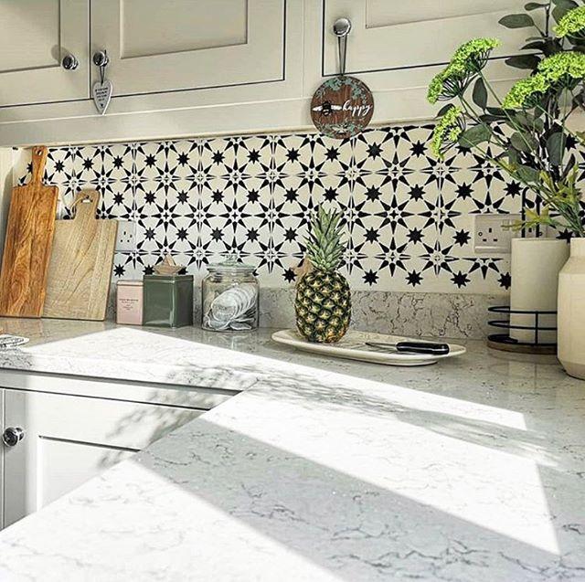 Diy Painted And Stenciled Kitchen Tile Backsplash Makeover Ideas