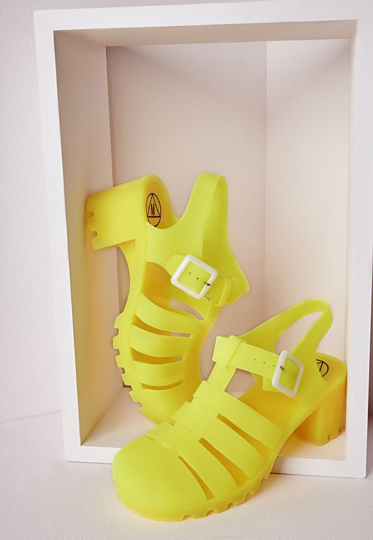 Matte Heeled Jelly Shoes Neon Yellow - Shoes - Jelly Shoes - Missguided