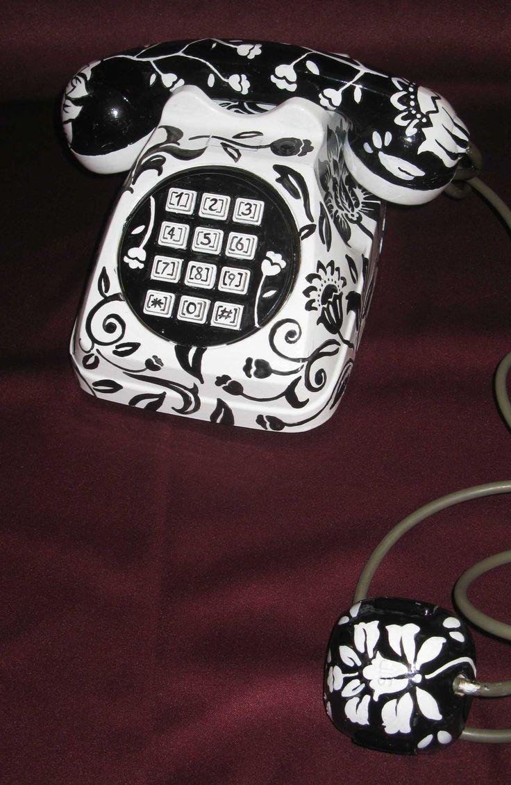 succo d'uva - telephone with keyboard white/black