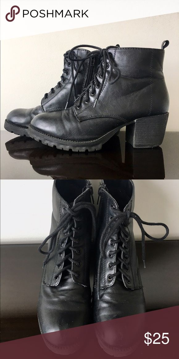 black lace up booties These black booties lace up in the front and have a zipper on the side that allows you to easily put on and take off the boot. They also have a slight heel. Tilly's Shoes Ankle Boots & Booties