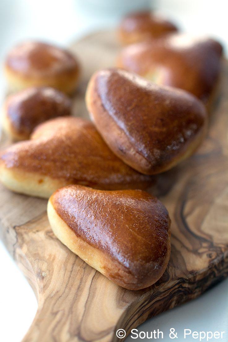 Bekijk hier het recept stap voor stap voor het maken van Belgische klaaskoeken. Makkelijk om te maken en heerlijk om van te smullen!