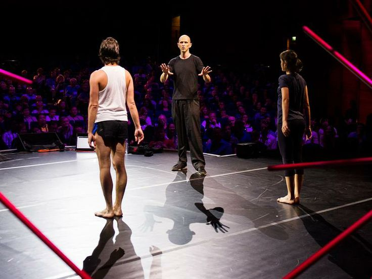 A choreographer's creative process in real time