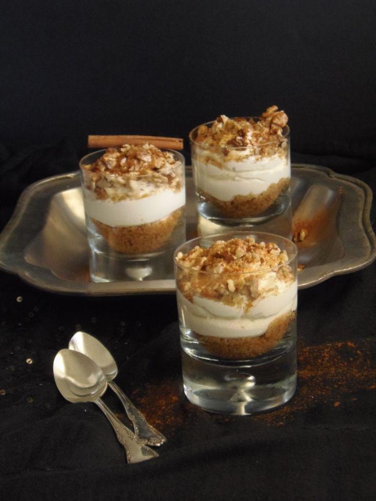 Cheesecake μελομακάρονο http://laxtaristessyntages.blogspot.gr/2014/12/cheesecake-melomakarono.html