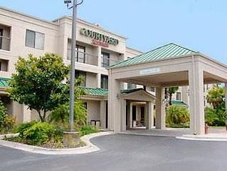 Tampa (FL) Courtyard Tampa Brandon United States, North America Courtyard Tampa Brandon is a popular choice amongst travelers in Tampa (FL), whether exploring or just passing through. The property features a wide range of facilities to make your stay a pleasant experience. Service-minded staff will welcome and guide you at the Courtyard Tampa Brandon. Designed for comfort, selected guestrooms offer air conditioning, heating, desk, alarm clock, telephone to ensure a restful nig...