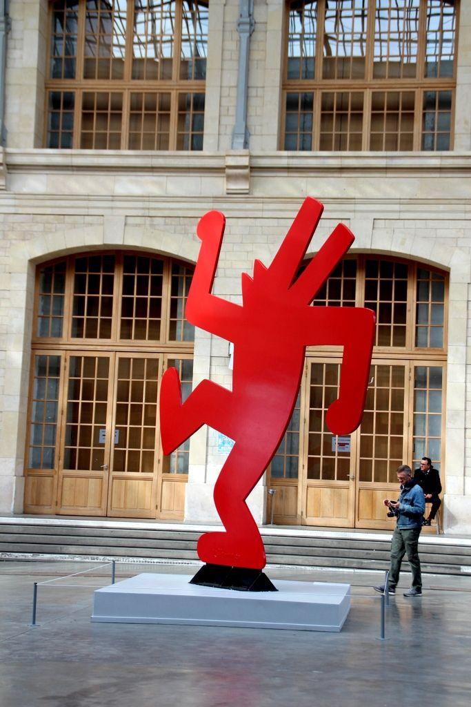 Keith Haring - The Political Line, Paris  http://leonieprasline.canalblog.com/archives/2013/07/30/27750435.html