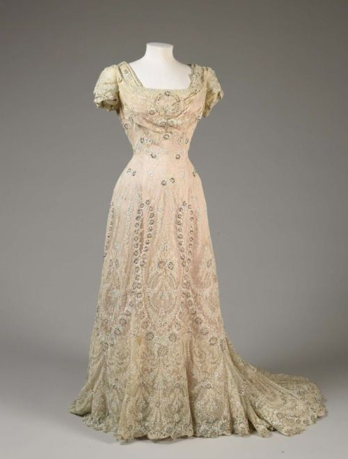 Embellished Chiffon and Tulle Lace Evening Dress, 1906 via FAMSF