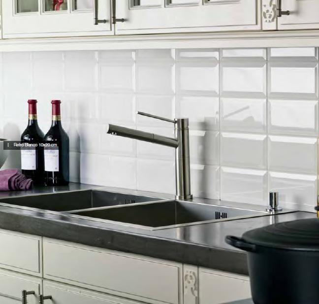 25+ beste idee u00ebn over Witte Tegel Keuken op Pinterest   Metro tegel keuken, Natuurlijke keuken