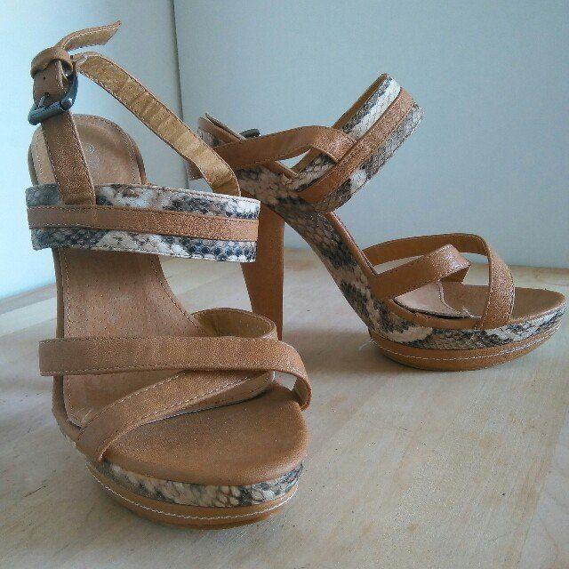 sandali in cuoio effetto pitone mai usati n.40 ma vestono benissimo 39 #scarpe #shoes #sandali #tacchi #imormalia