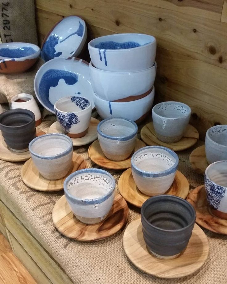 Another run of beautiful @brookeclunie pottery graces our pantry shelves! With only a small run of toasted earth terracotta cream and charcoal pieces available I'd get in quick if something catches your eye! #thebircherbar #bircherbar #lismore #cafe #pantry #deli #coffee #local #handmade #pottery