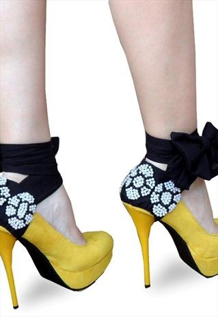 Ribbons with pearl detail! <3 AUD $45: Woman Shoes, Women Shoes, Blue Shoes, Womens Shoes, Shoes Accessories