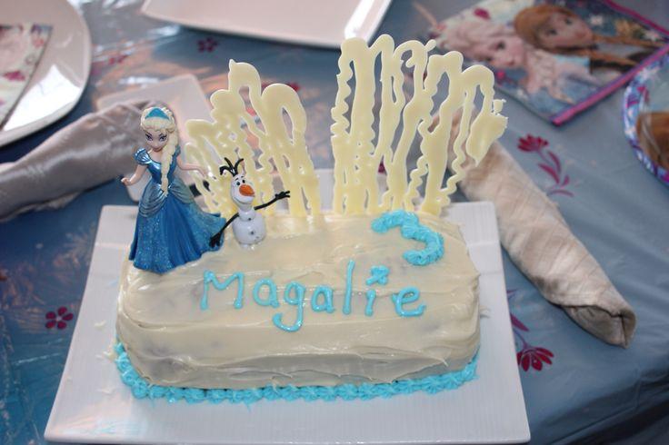 Magalie 3 ans- Frozen's cake. Gâteau aux carottes. Glaçons Ricardo au chocolat blanc JR