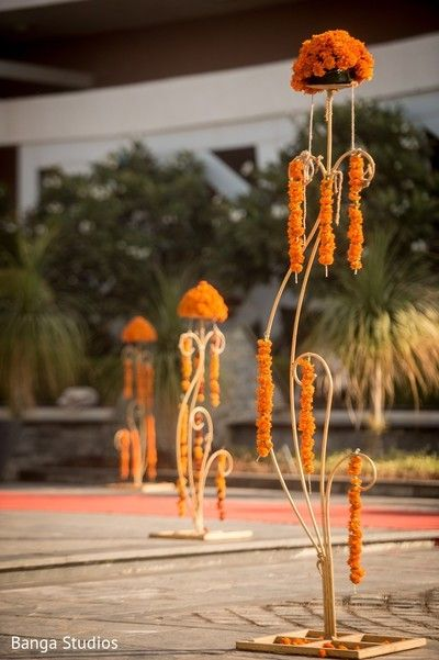 Haldi Decor http://www.maharaniweddings.com/gallery/photo/72044 @bangastudios