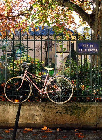 Rue du Parc Royal, Paris 3e.