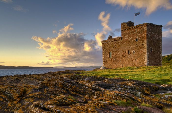 Portencross Castle was constructed in three phases starting around 1360. It was the home of a branch of the Boyds. The lands around Portencross were given to the Boyds of Kilmarnock by King Robert I as a reward for their help at the Battle of Bannockburn. A number of Royal Charters were signed at the castle and it had close links with King Robert II during that period.