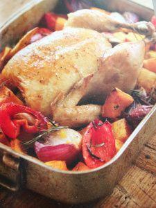 Kip uit de oven met groenten, recept van Annabel Langbein