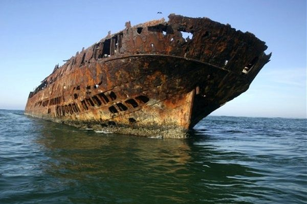 The wreck of the Norwegian iron-hulled barque the Farsund