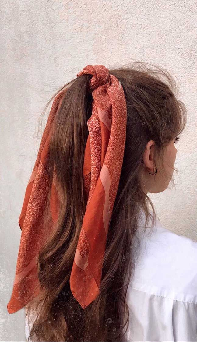 45 Pretty Ways To Style Your Hair With A Scarf, easy hairstyle with scarf , how to wear a hair scarf ponytail, head scarf styles for short hair,cute ways to wear a scarf in your hair #hairscarf #hair #hairstyle #headscarf