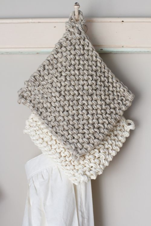Knitted chunky hemp hot pads (with a touch of crochet).