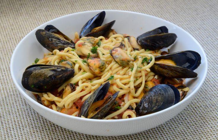 Maccheroni alla Chitarra with Mussels in Tomato Sauce - Abruzzo Molise