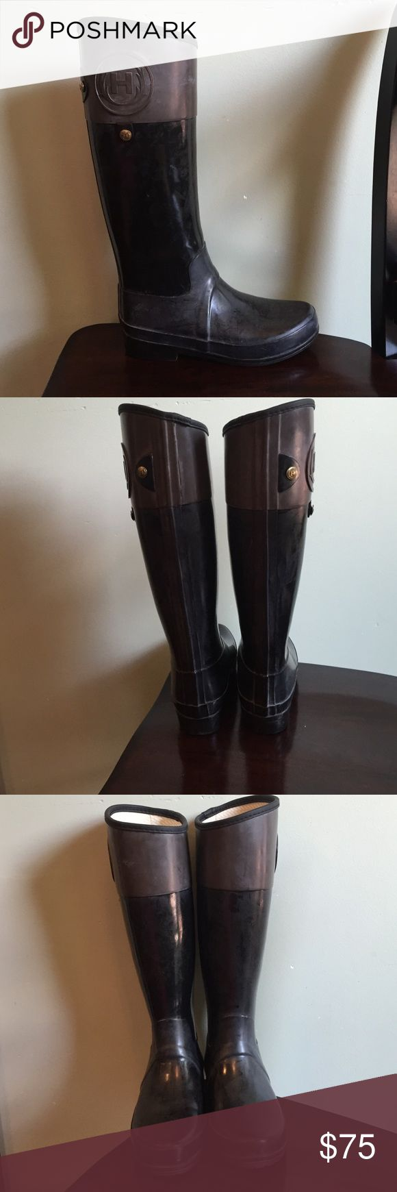 Women's Hunter Riding Rain Boots Unique two tone hunter boots (black & brown). Waterproof and easy to clean, perfect for rainy weather or winter. Hardly worn, good condition. Would fit someone best with a slim calf since they are a sleeker/equestrian style design vs. the traditional Hunter boot. Please note that Hunter boots can get a powder look b/c of the natural rubber being exposed to certain conditions (info on the official Hunter boot website). Easily cleaned with cold, soapy water…