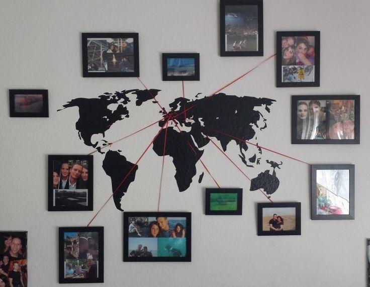 Einfach ein großes Weltkarten Wandtattoo (Bilderdepot24 Wandtattoo Wandaufkleber - Weltkarte 144x59cm) anbringen und Urlaubsreisen in Form von Fotos mit dünnem Washi tape oder einem Band markieren. :)