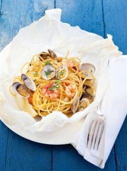 Spaghetti al Cartoccio - Csaba Dalla Zorza http://www.csabadallazorza.com/paghetti-al-cartoccio-ricetta/