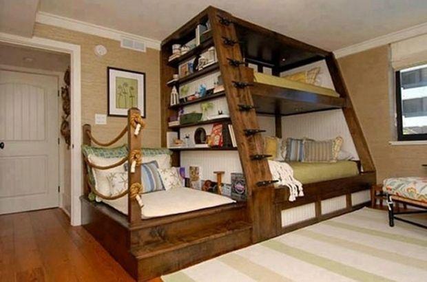 lits superposés de style rustique à thème marin