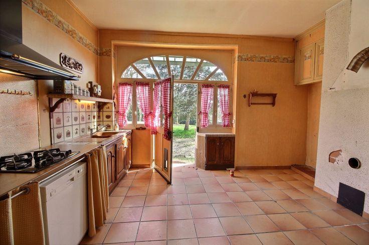 Entrance, living room, kitchen, back kitchen, bedroom, bathroom complete, bathroom. Floor: 3 rooms to convert Garage Land