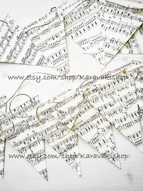 Drapeaux en papier musique mariage sur le thème de la